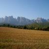 Perspectiva de la cara nord de la muntanya des del Pla de Mas Roig (Marganell)